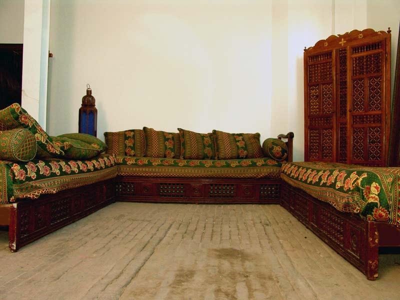 De bankstellen zijn gevonden op marktjes in Marokko.